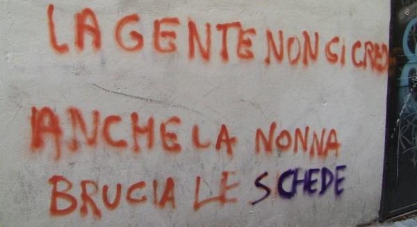 329551_scritta muro pro astensionismo