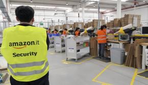 amazon capitalismo sfruttamento operai lavoratori